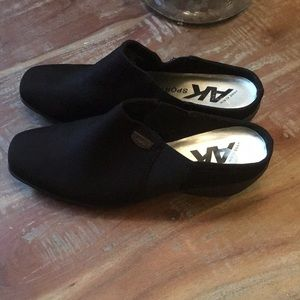 Anne Klein Sport Casual Clogs Shoes black 9 new